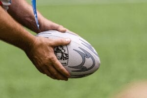 Vit grå rugby boll.